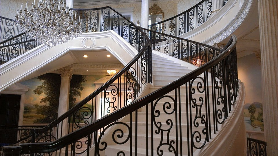 Luxury Staircases 0111