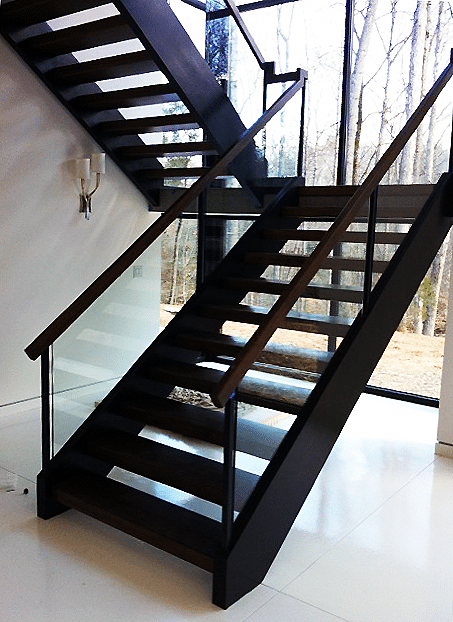 Modern Railing Design with Glass