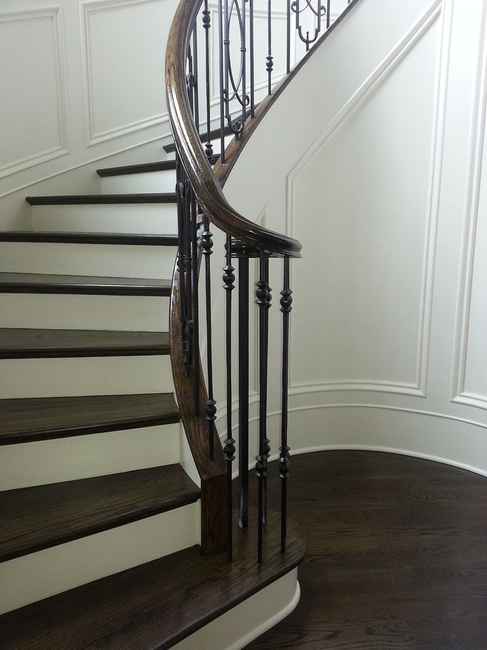 metal baluster system curved stairs