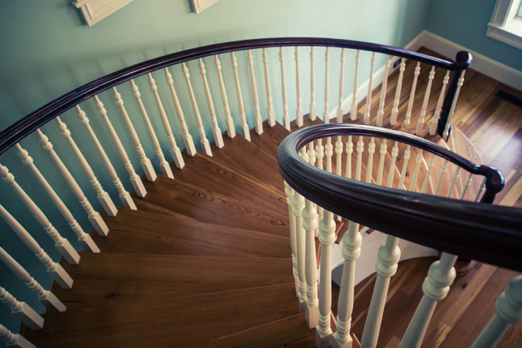 Traditional Curved Stairs with Wooden Baluster