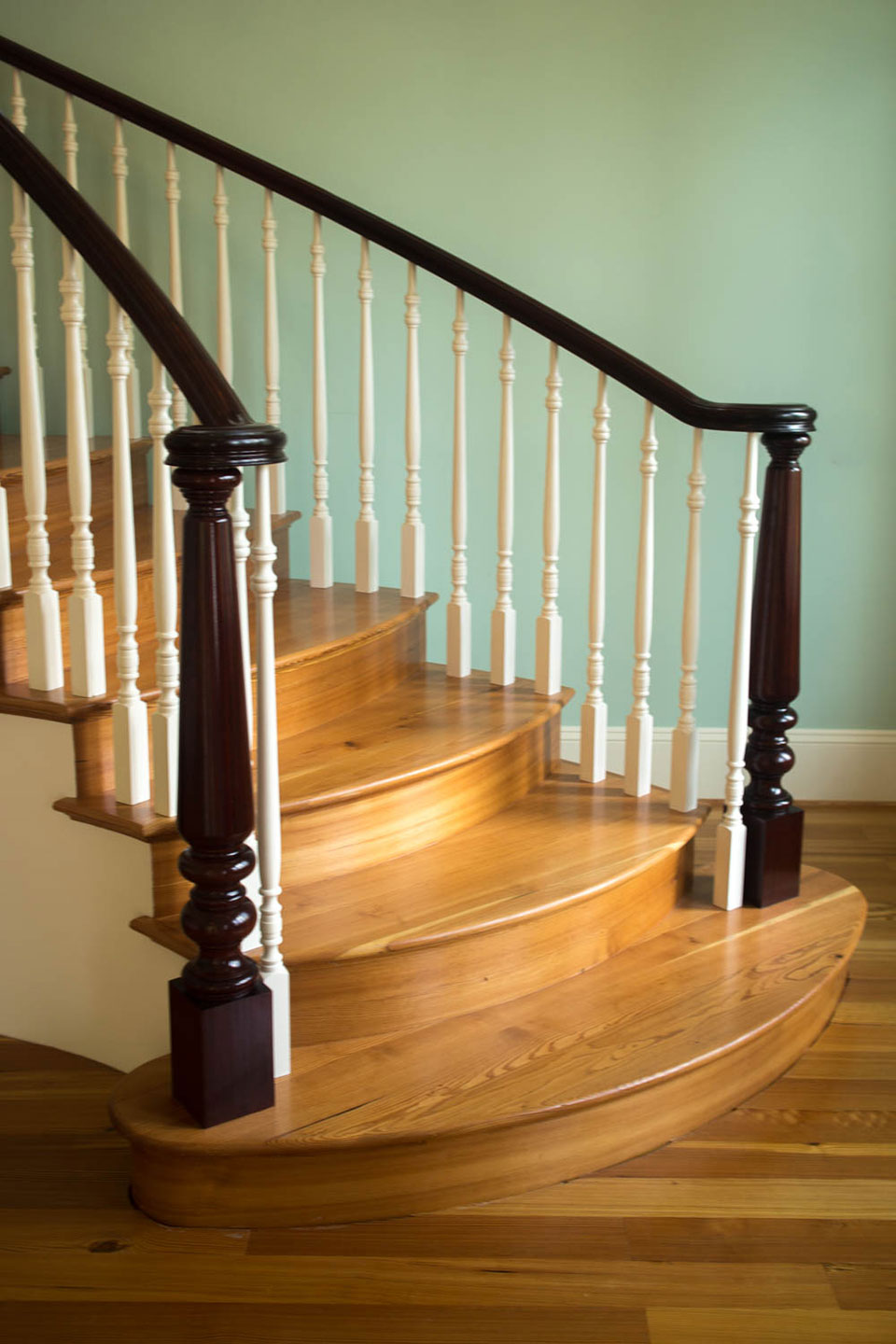 Charming Curved Stairs With Wooden Baluster. Custom Traditional Stairs