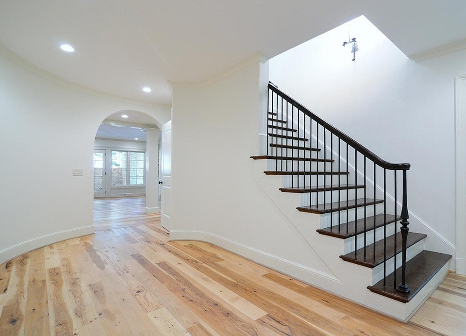 Traditional Southern Staircase Artistic Stairs